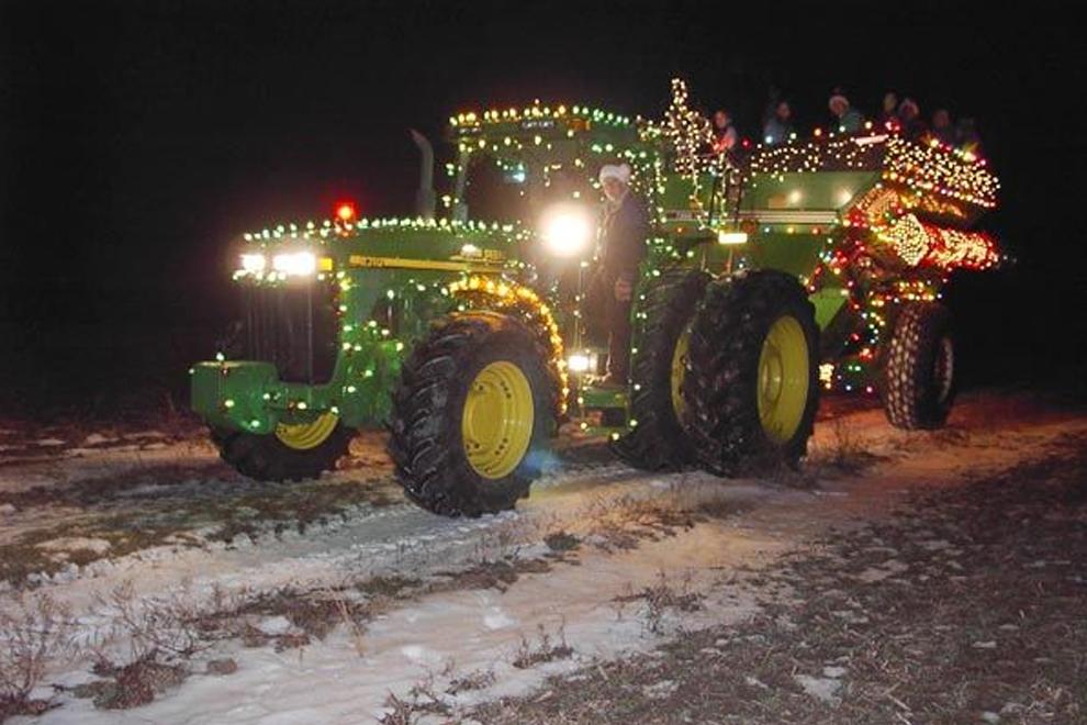Upper Sandusky Christmas Parade 2021 The Original Country Christmas Lighted Farm Implement Parade Michigan Fun